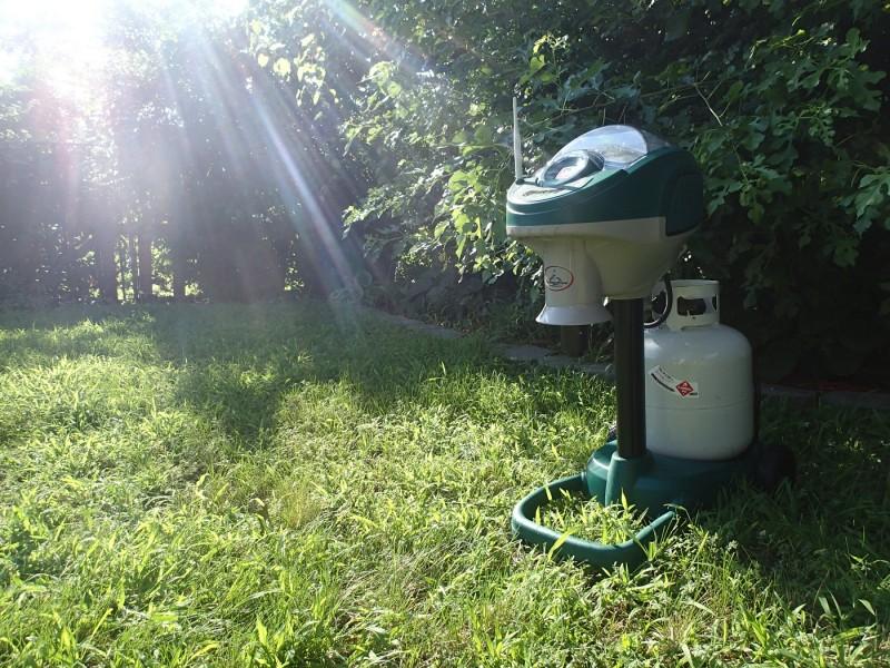 Mosquito Magnet Commander Mosquito Trap | ActionHub