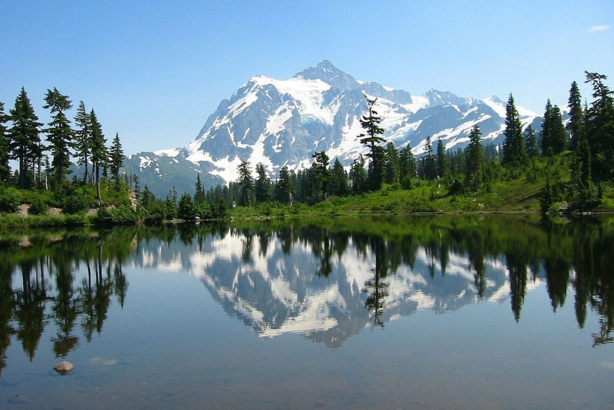 Best National Park Day Hikes   ActionHub