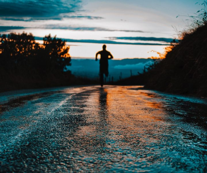 A safety guide to running as the evenings get darker | ActionHub