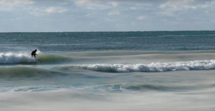 Incredible 'slurpee' wave captured on Nantucket Beach | ActionHub