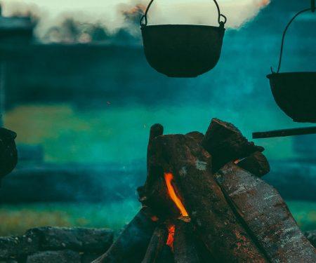 6 Fantastic and useful camping hacks | ActionHub