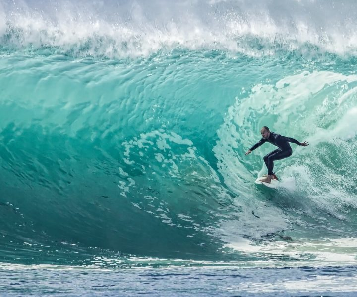 5 Must have apps for surfers | ActionHub