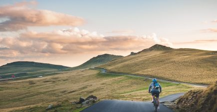 6 simple ways to conquer long ride boredom | ActionHub
