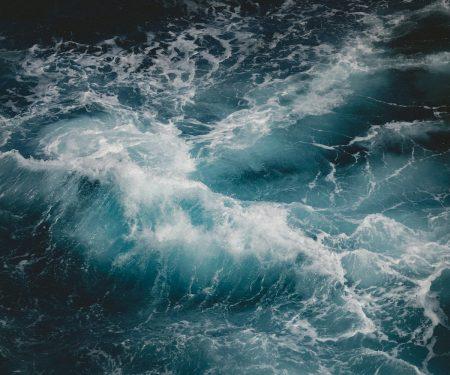 rough-sea-kayaking