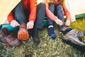 fits-hiking-socks-tent