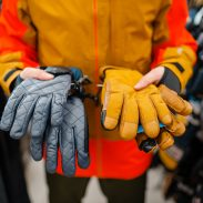 picking-best-ski-gloves