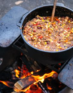 dutch-oven-chili-cooking